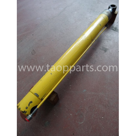 Komatsu cylinder 395010003 for WB91R · (SKU: 3995)