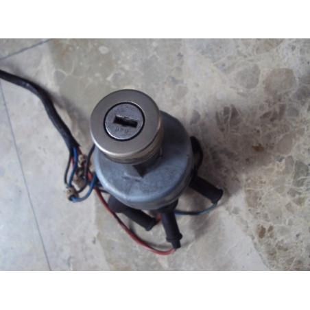 Interruptor Komatsu 08086-10100 para WA500-3H · (SKU: 459)