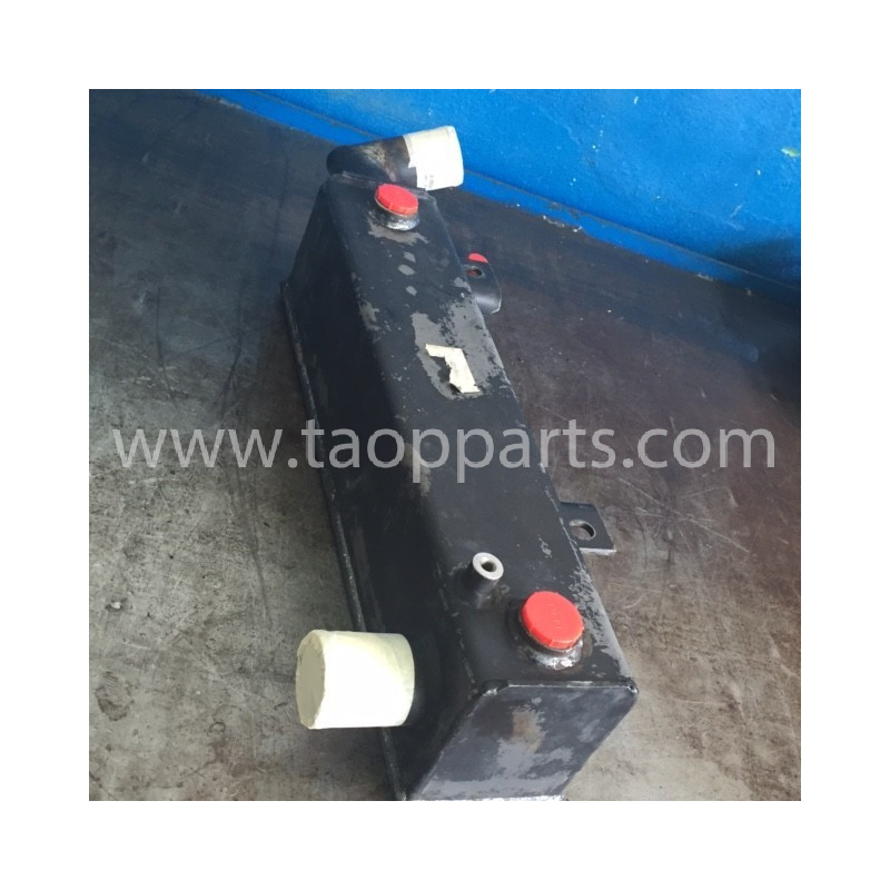 Refroidisseur convertisseur Komatsu 421-16-31163 pour WA470-5 · (SKU: 4286)