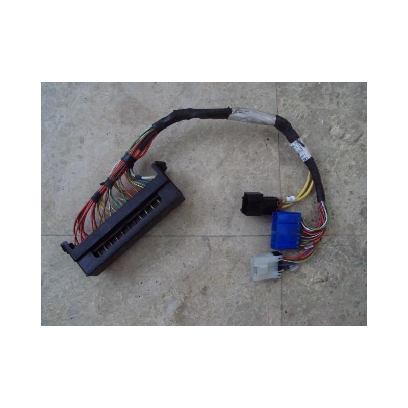 Caixa fusível Komatsu 425-06-22630 WA500-3H · (SKU: 463)