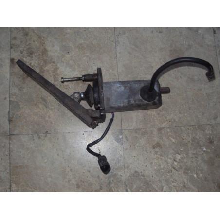 Pedal Acelerador Komatsu 42C-43-11410 para WA500-3 · (SKU: 465)