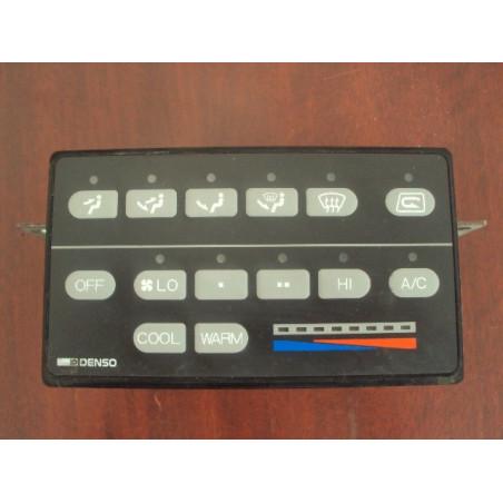 Bloc de commande [usagé usagée] Komatsu 425-07-21121 pour WA500-3H · (SKU: 470)
