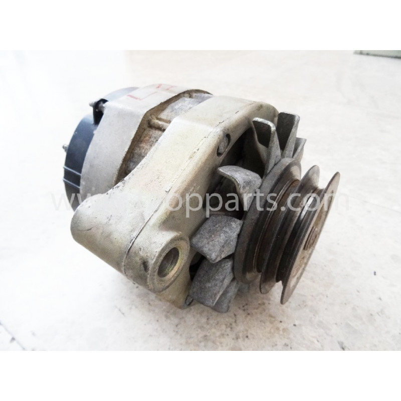 Volvo Alternator 873757 for L150C · (SKU: 4489)