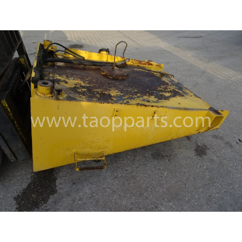 Komatsu Fuel Tank 425-04-21111 for WA500-3 · (SKU: 4546)