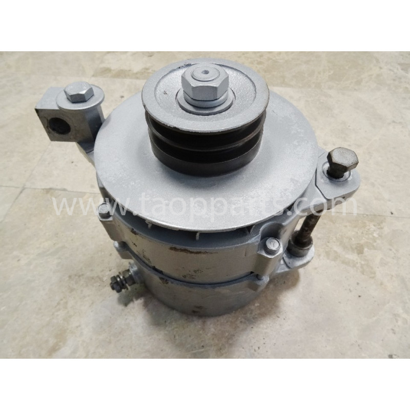 Komatsu Alternator 600-821-9770 for WA500-3 · (SKU: 4646)