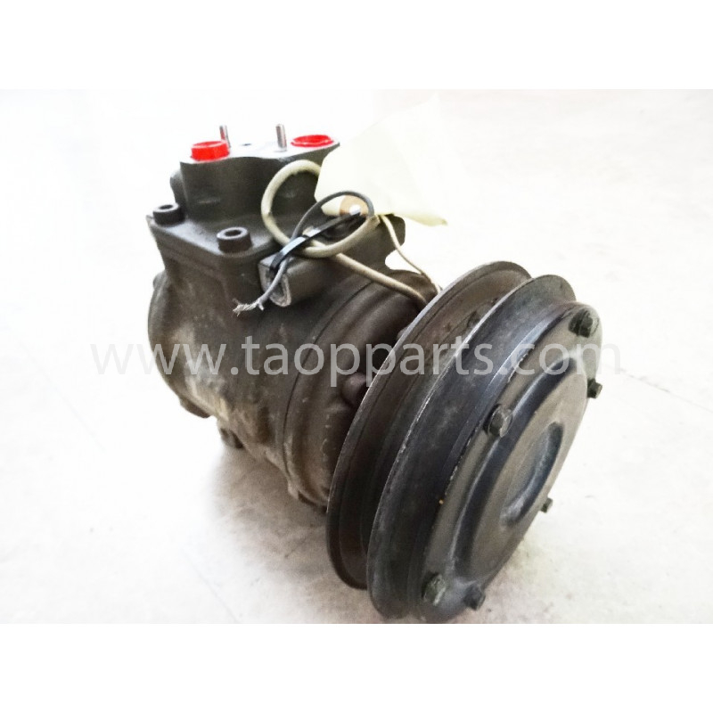 Komatsu Compressor 425-07-21180 for WA500-3 · (SKU: 4657)