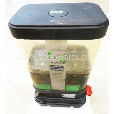 Komatsu Grease pump 421-S95-2110 for WA500-3 · (SKU: 4665)