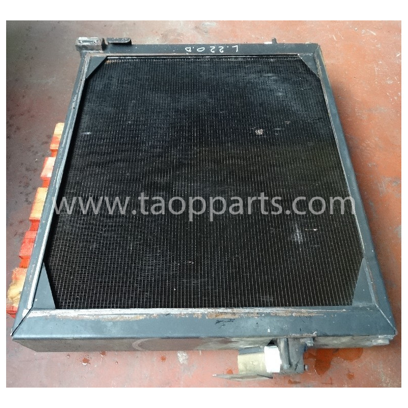 Radiateur 11110144 pour Chargeuse sur pneus Volvo L220D · (SKU: 4209)