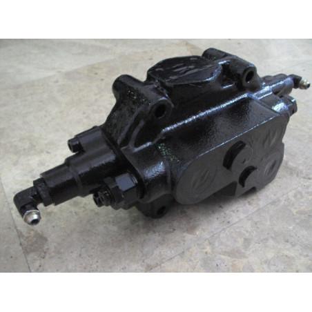 Valvula usada 425-64-25102 para Pala cargadora de neumáticos Komatsu · (SKU: 521)