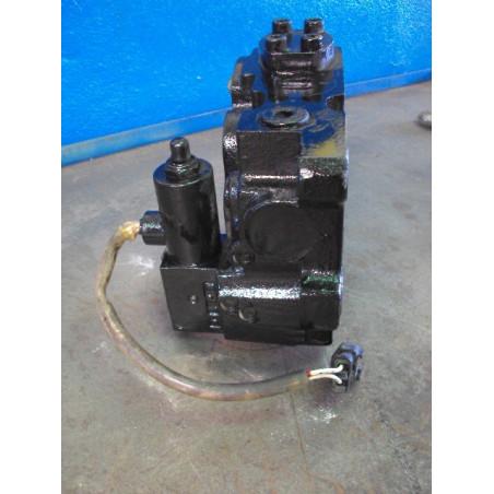 soupape [usagé|usagée] 425-S99-2530 pour Chargeuse sur pneus Komatsu · (SKU: 523)