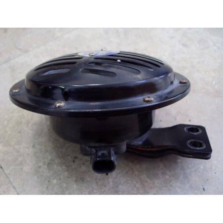 Bocina 421-06-H9030 para Pala cargadora de neumáticos Komatsu WA470-6 · (SKU: 526)