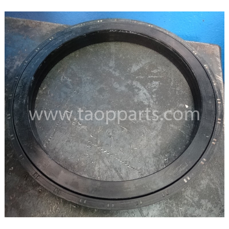 Porta reten usada 423-22-22461 para Pala cargadora de neumáticos Komatsu · (SKU: 4885)