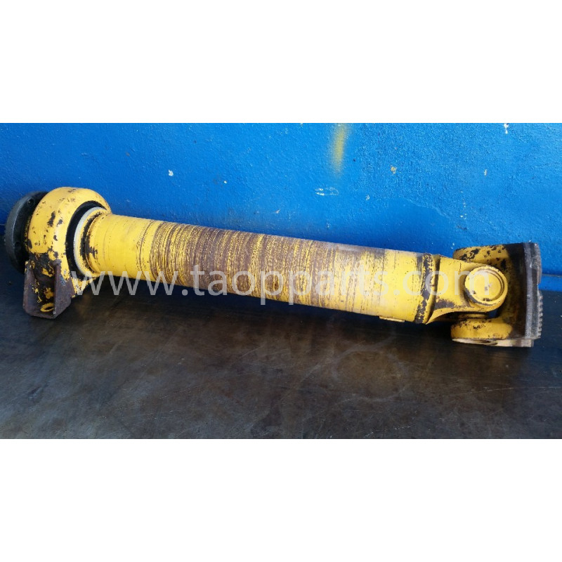 Volvo Cardan shaft 15085419 for L120E · (SKU: 5495)