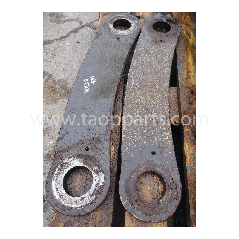 Volvo Bucket link 11020741 for L120E · (SKU: 5628)