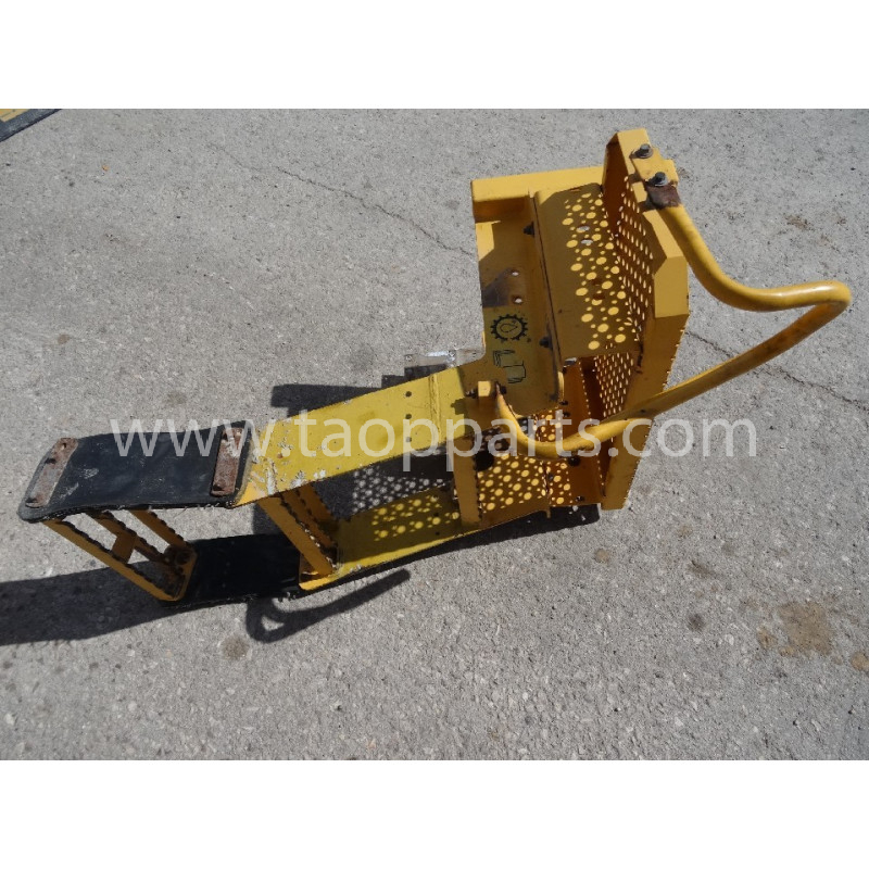 Volvo Platform 15166131 for L120E · (SKU: 5640)