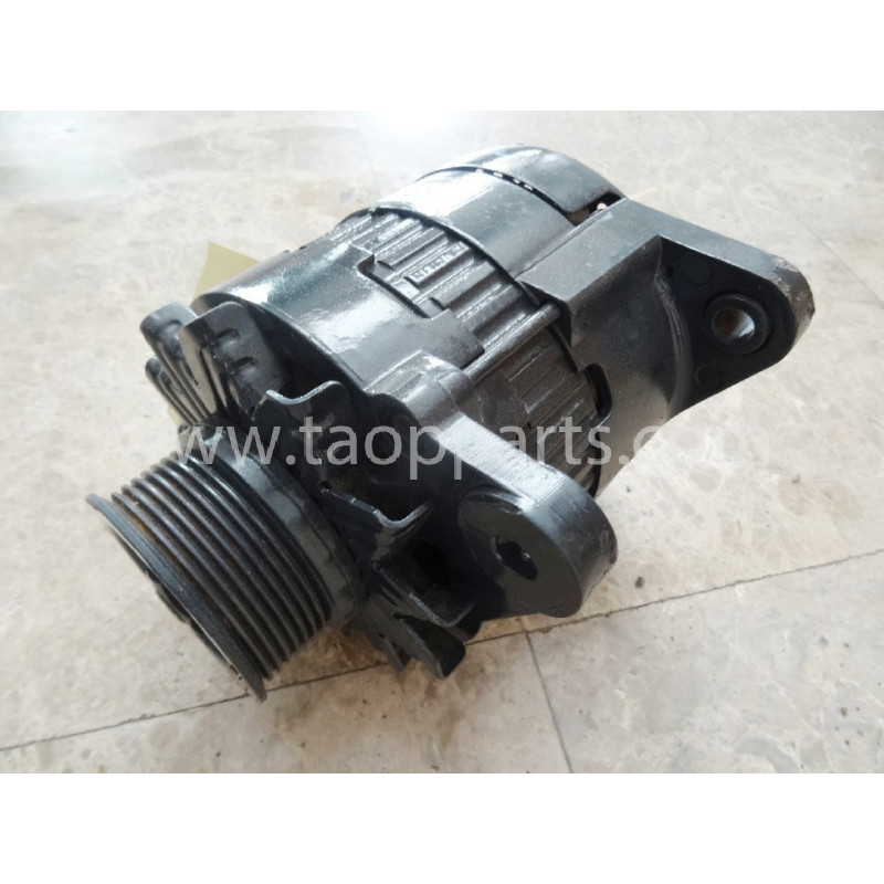 Komatsu Alternator 600-861-6111 for D65PX-15E0 · (SKU: 50543)