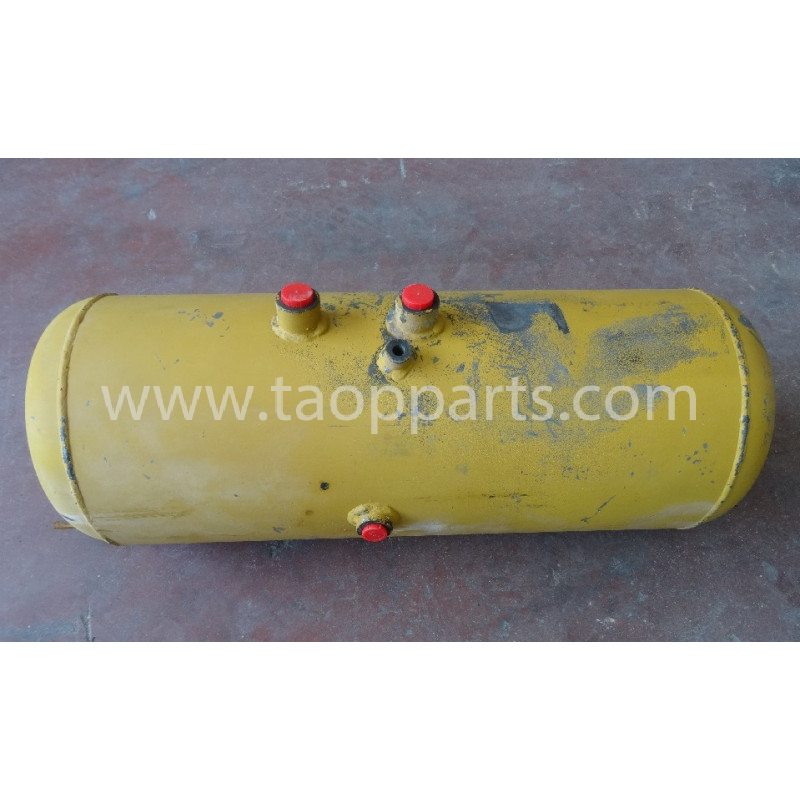 Reserve tank Komatsu 426-35-15331 pour WA600-1 · (SKU: 50627)