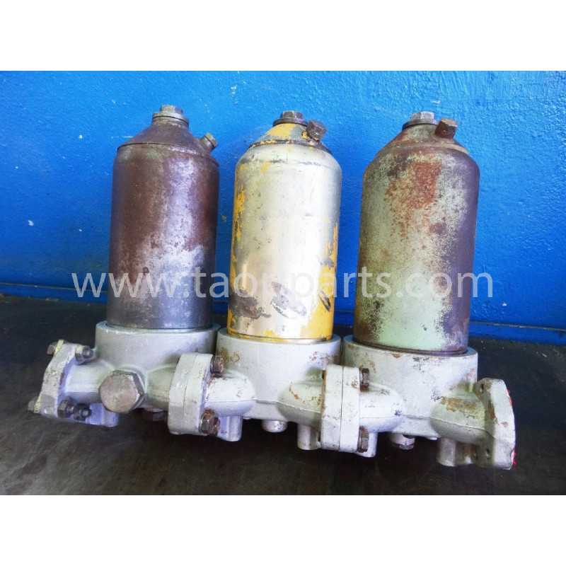 Filtres Komatsu 426-16-11523 pour WA600-1 · (SKU: 50630)