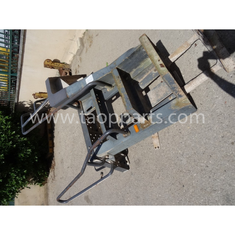 Barandilla Komatsu 425-54-H5110 para WA500-3H · (SKU: 50690)