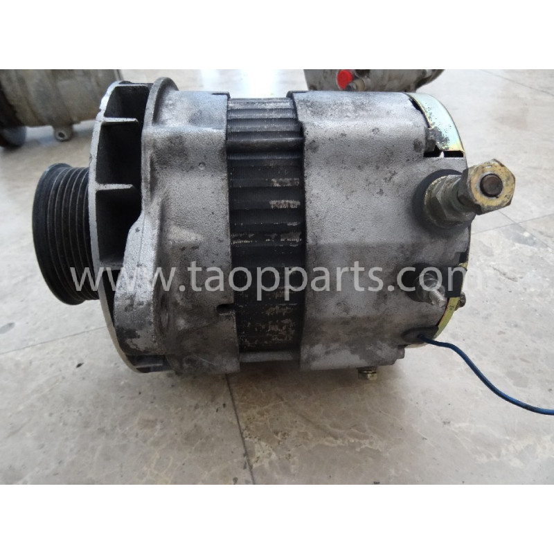 Komatsu Alternator 600-861-6110 for PC340LC-7K · (SKU: 50850)