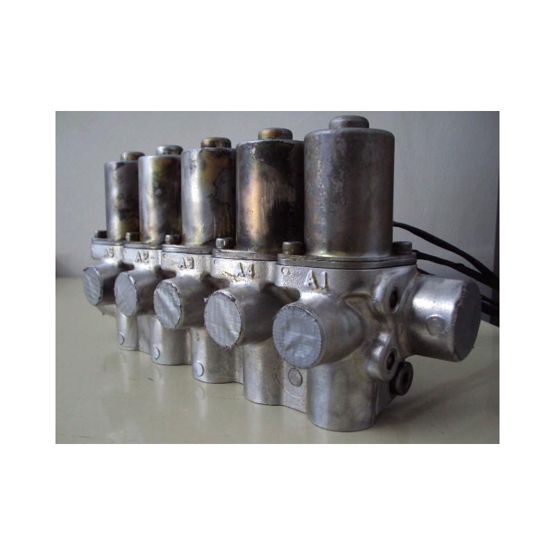 Valvula Komatsu 206-60-51102 para PC450-6 ACTIVE PLUS · (SKU: 576)