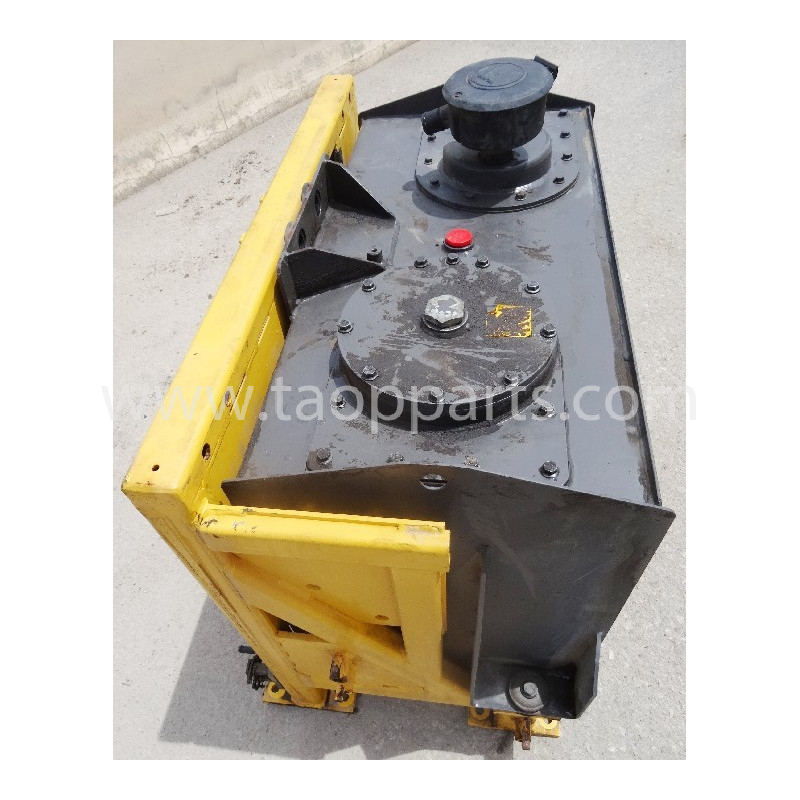 Volvo Hydraulic Tank 11173792 for L120E · (SKU: 50941)