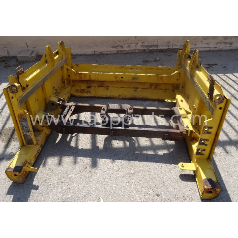 Komatsu housing frame 425-54-31331 for WA500-6 · (SKU: 51142)