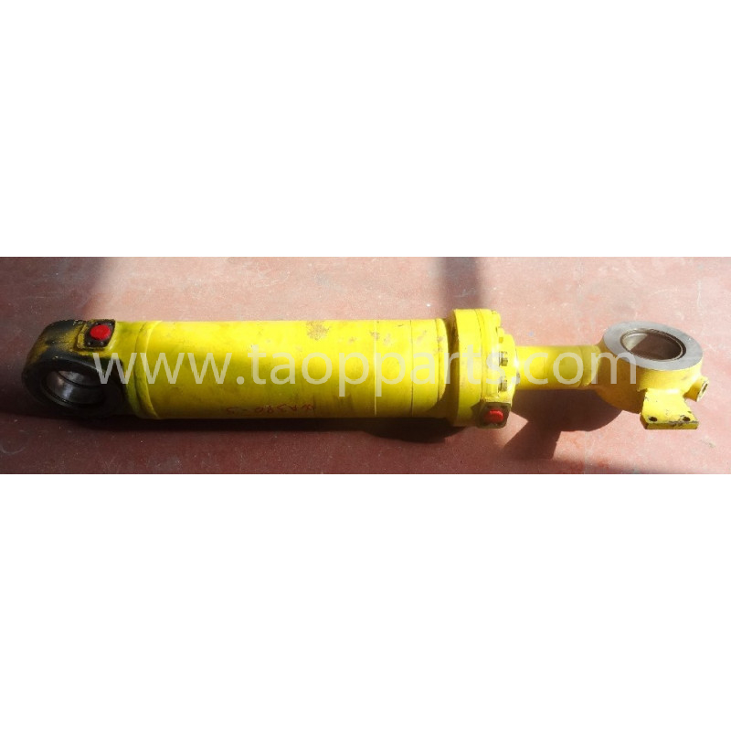 Komatsu cylinder 423-63-H3120 for WA380-5 · (SKU: 50736)