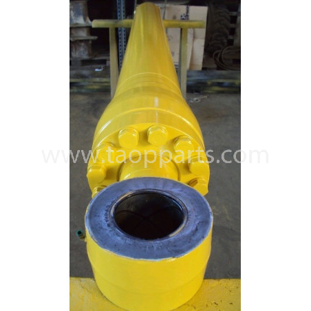Komatsu Arm Cylinder 208-63-K2120 for PC450-6 ACTIVE PLUS · (SKU: 588)