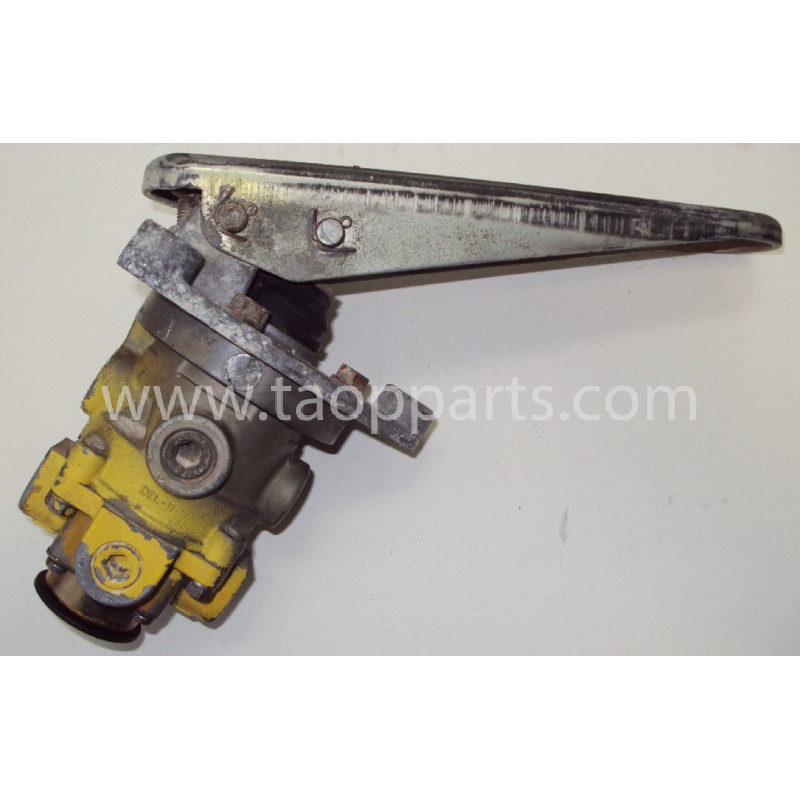 Soupape 421-35-11201 pour Chargeuse sur pneus Komatsu WA600-1 · (SKU: 4413)