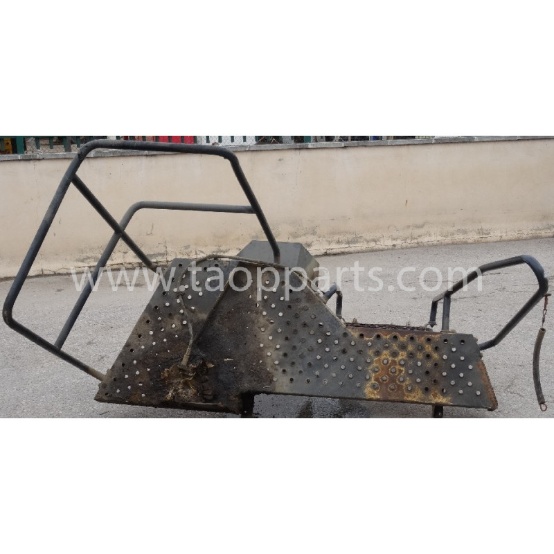 Escalier [usagé|usagée] 425-54-32780 pour Chargeuse sur pneus Komatsu · (SKU: 50444)