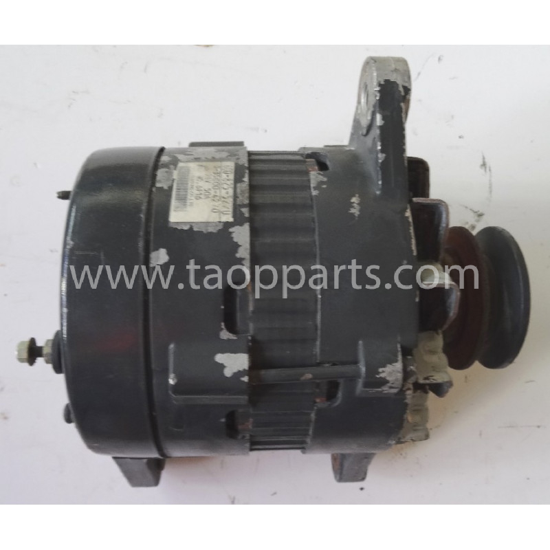Komatsu Alternator 600-825-5210 for PC340LC-7K · (SKU: 51374)