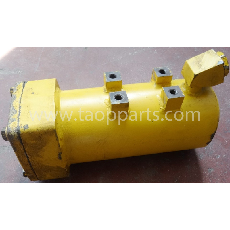 Komatsu Housing 14X-49-32141 for D65PX-15E0 · (SKU: 51639)