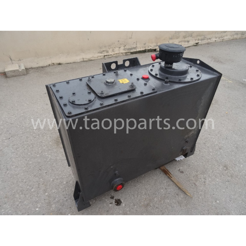 Volvo Tank 11410528 for L150E · (SKU: 51753)