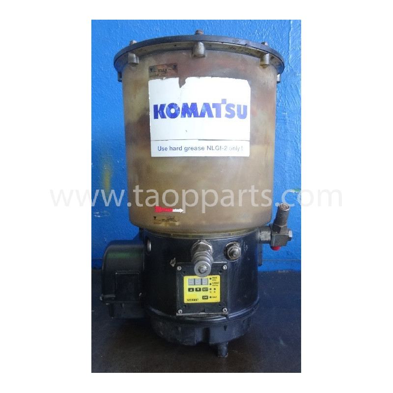 Komatsu Grease pump 421-09-H3700 for WA470-5H · (SKU: 50524)