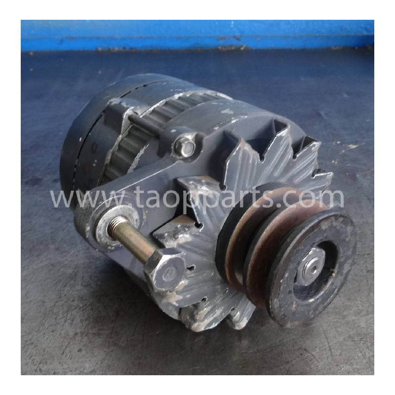 Komatsu Alternator 600-825-5220 for WA480-6 · (SKU: 52700)