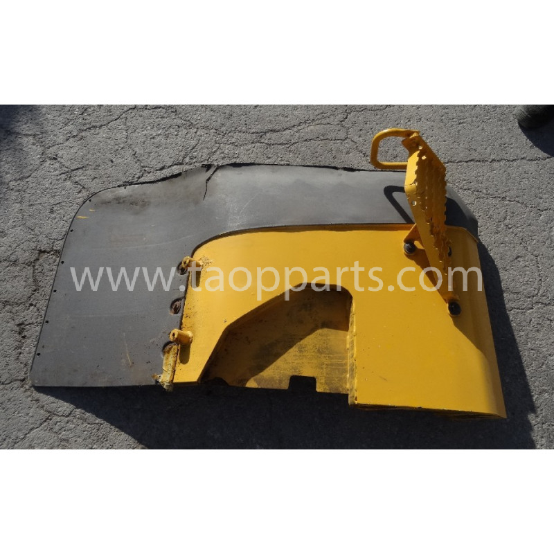 Volvo Fender 11414747 for L90F · (SKU: 52582)