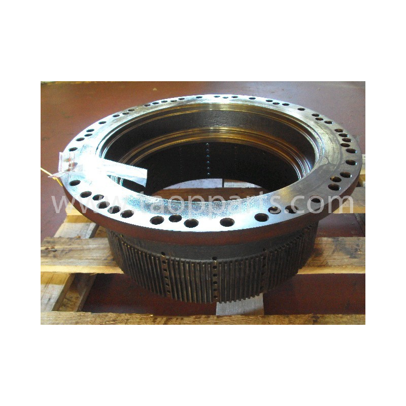 Komatsu housing 569-33-71311 for HD465-7 · (SKU: 682)