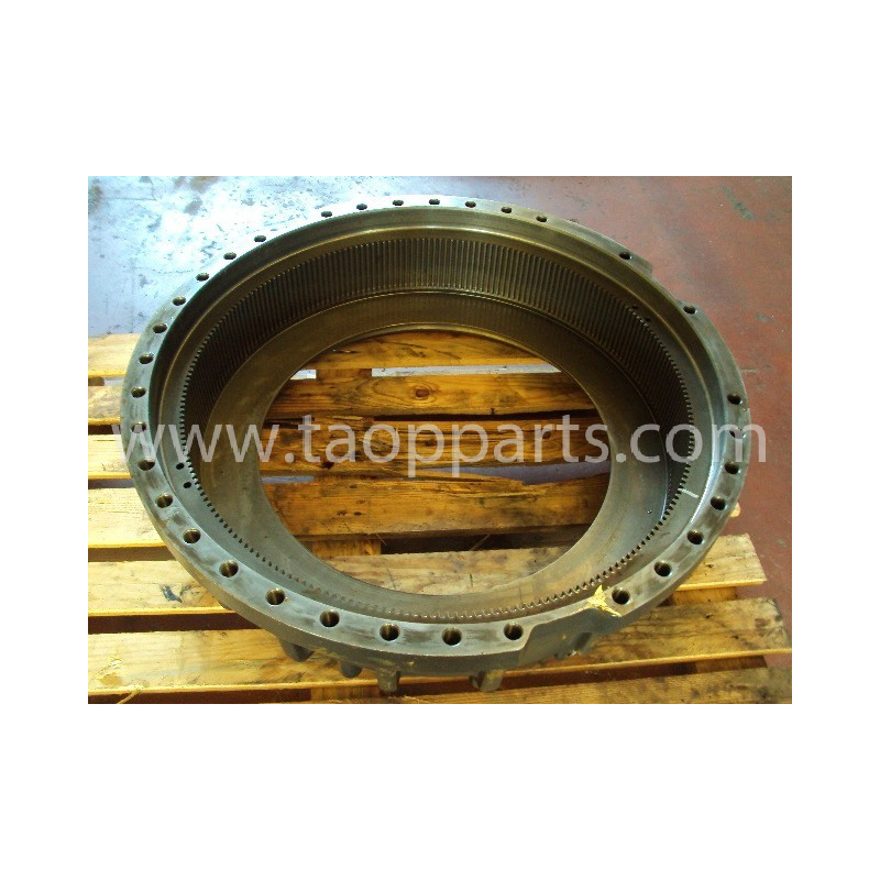 Komatsu housing 569-33-71210 for HD465-7 · (SKU: 683)
