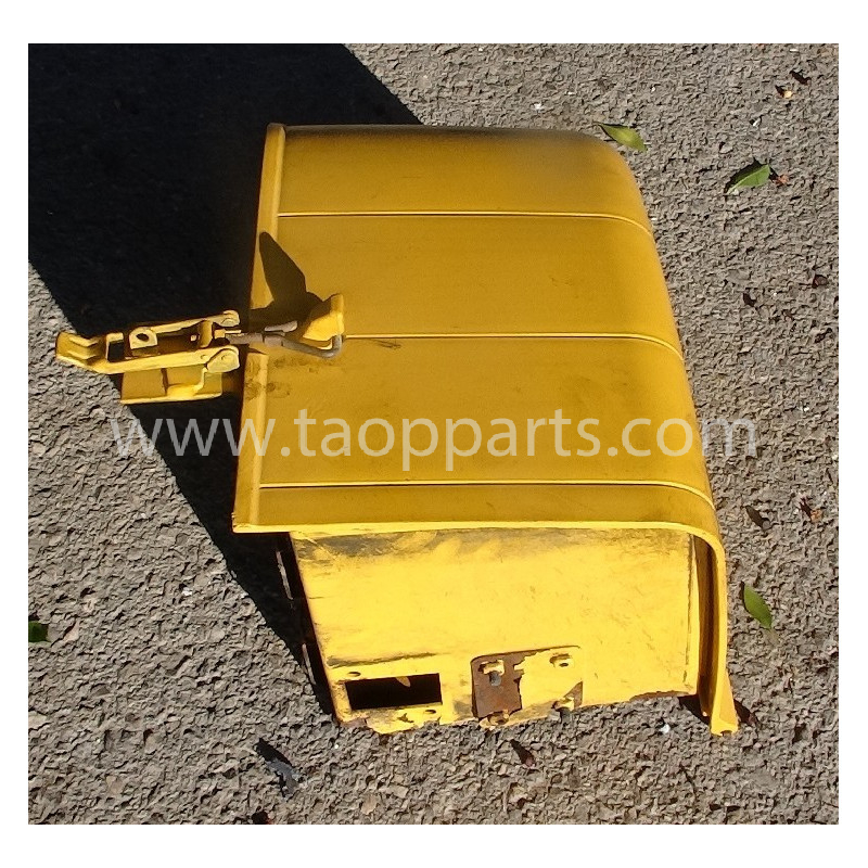 Volvo box 11400998 for L90F · (SKU: 52845)