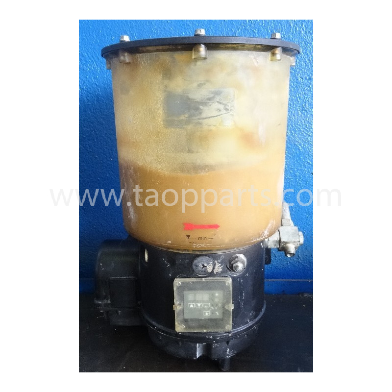 Komatsu Grease pump 421-09-H3700 for WA470-5 · (SKU: 52928)