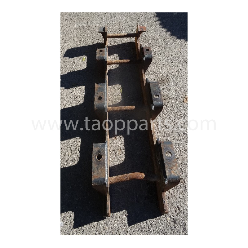 Komatsu Roller guard 207-30-77240 for PC350-8 · (SKU: 53388)