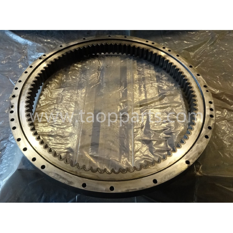 Komatsu Swing circle 207-25-00120 for PC350-8 · (SKU: 51028)