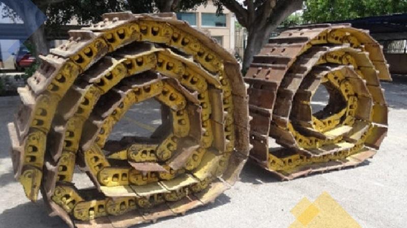 Komatsu chains